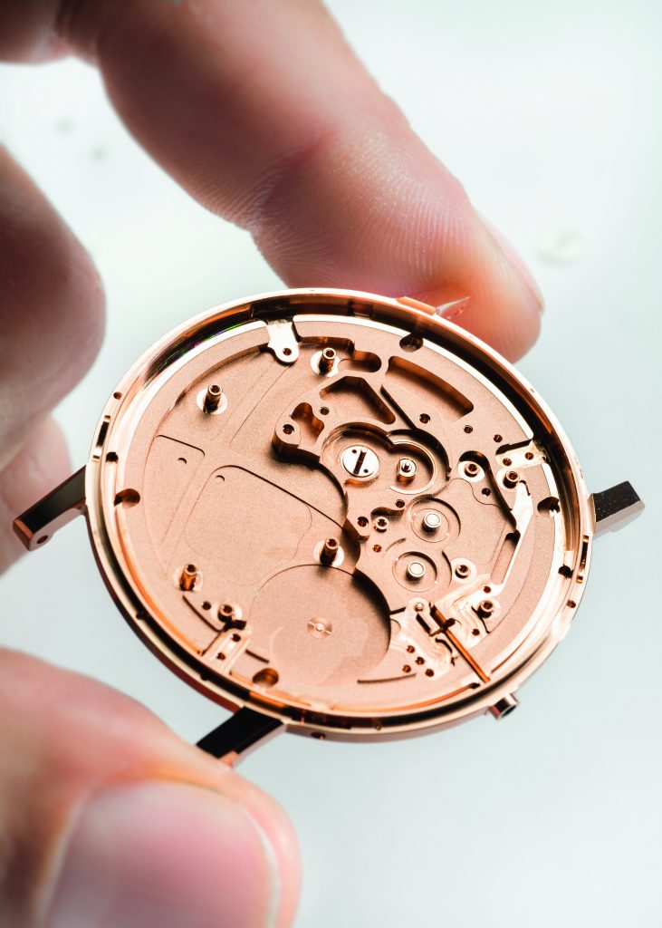 The case and movement of the Piaget Altiplano Ultimate Automatic watch measures 4.30mm in thickness.
