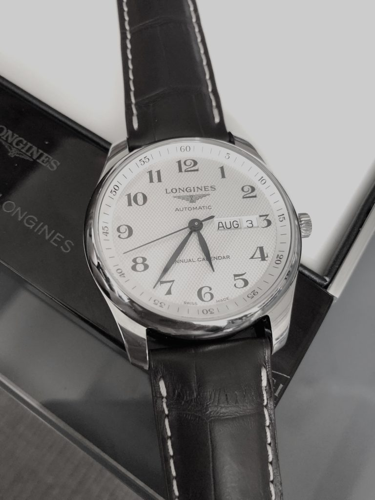 The Longines Master Annual Calendar houses a novel mechanical movement exclusive to the brand, the automatic L897 caliber. (photo: R. Naas)