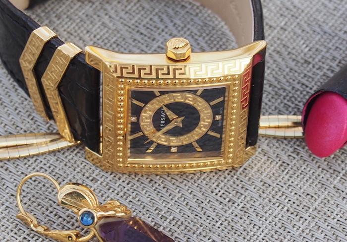 Fashion forward versace dv25 watch perfect for mother 39 s for Mobili versace