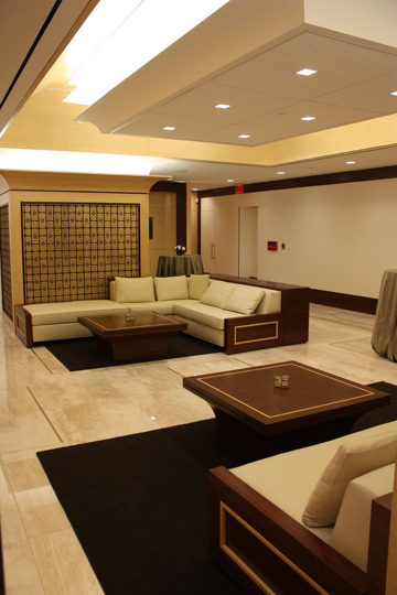 The luxurious general waiting area.