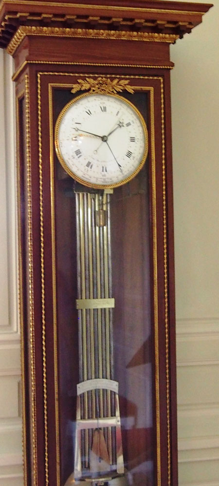 Standing cabinet clock in Petit Trianon created by Robin.