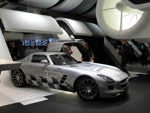 In 2013, IWC recreated its world of auto involvement at the SIHH.