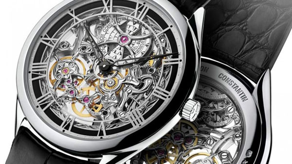 Both front and back of this watch are mesmerizing thanks to the architectural inspiration of the design.