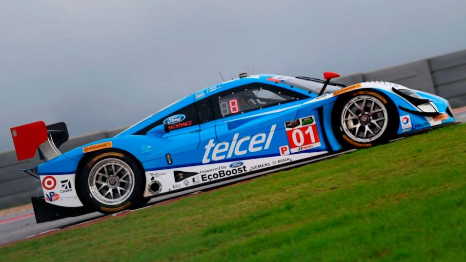 Scott Pruett in No. 01 Chip Ganassi Racing entry wins the Lone Star ... photo c) Getty Images.