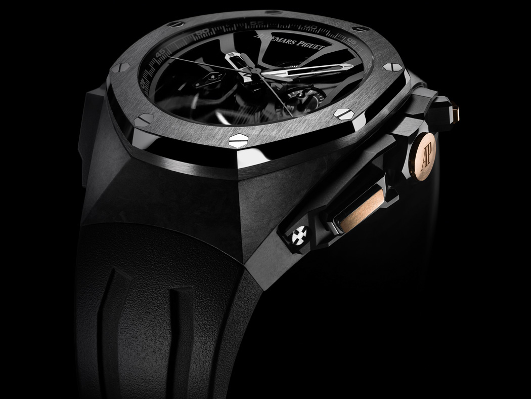 221 pieces of the Royal Oak Laptimer Michael Schumacher watch will be made in honor of the number of his point-winning races.