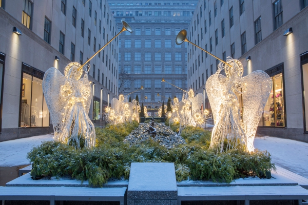 The angels at Rockefeller Center by American Christmas company