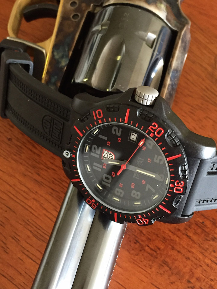 The markers above the numerals feature Luminox Light Technology