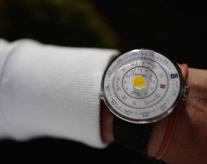 The Klok-01 is devoid of hands -- and uses three disks to display the time. (Photo: Simon Cudd)