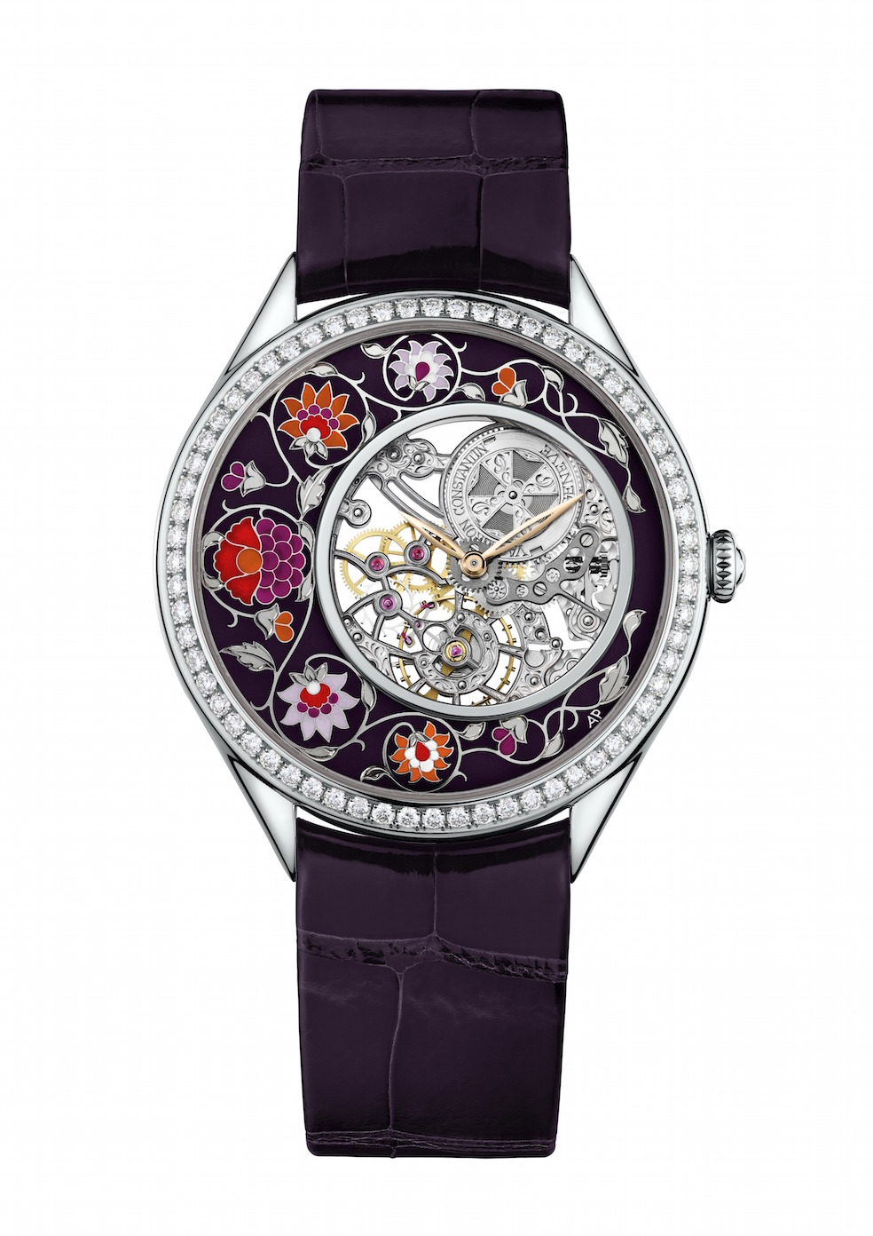 Fabuleux ornements watches are powered by in-house made mechanical movements.