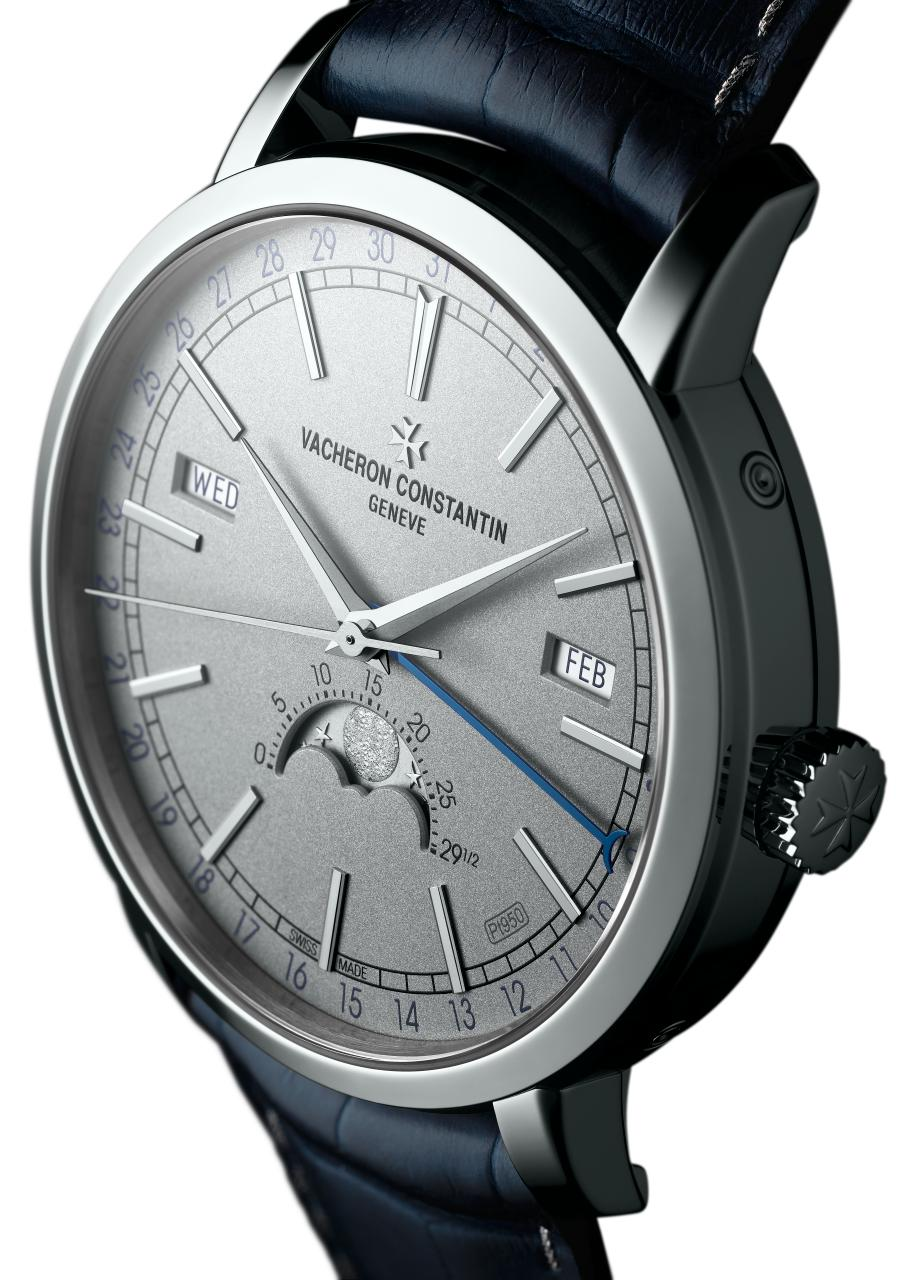Even the dial of the Pre-SIHH 2018 Vacheron Constantin TRADITIONNELLE COMPLETE CALENDAR Collection Excellence Platine is platinum.