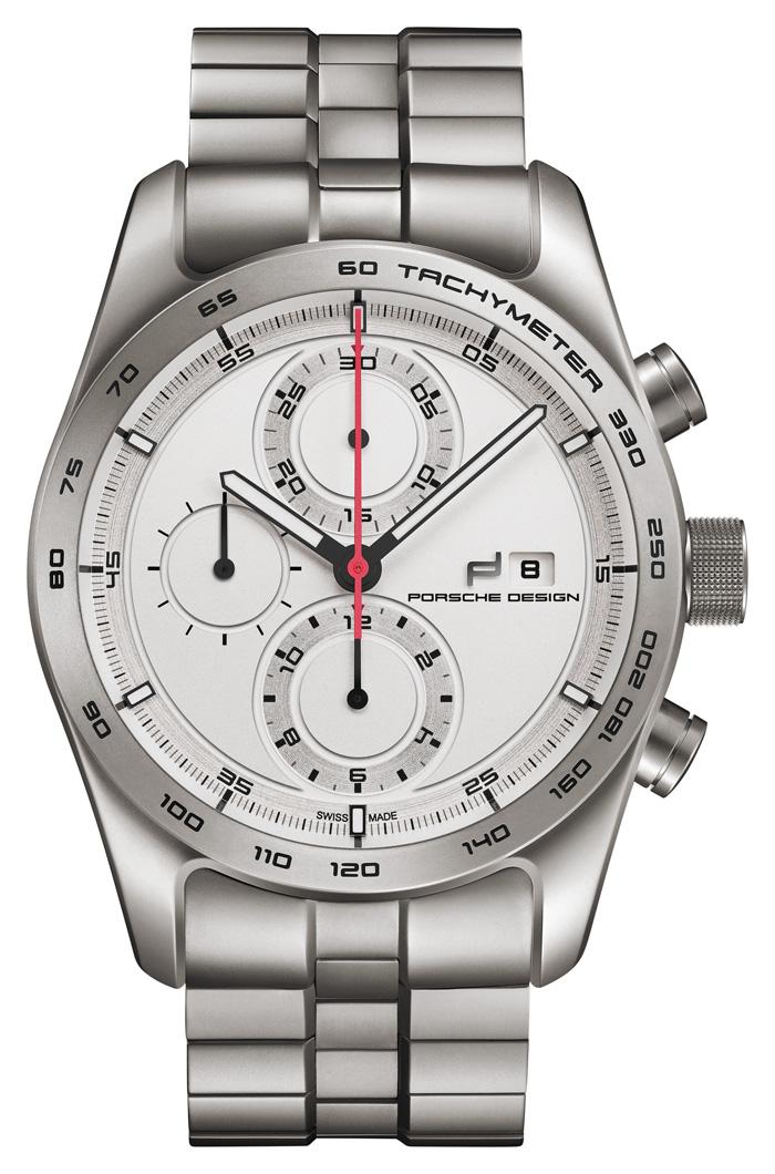 This titanium version recalls the brand's first titanium watch, presented in 1980.