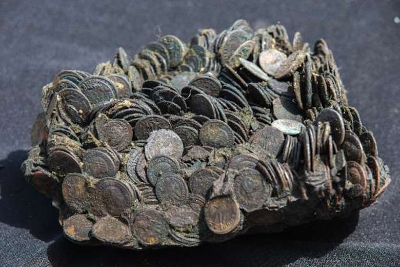 Photo: AFP: Coins from cargo of ancient ship