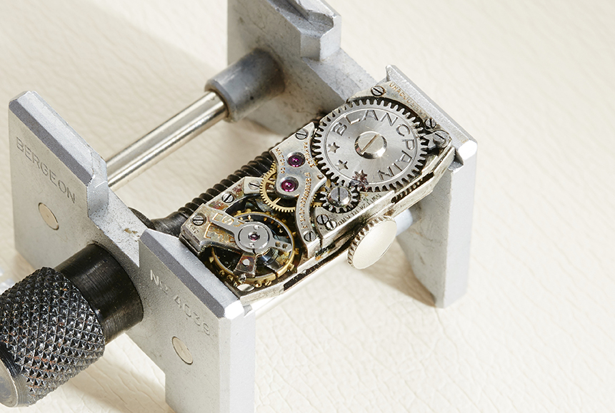 The Swiss-made movement of the art deco style Blancpain watch.