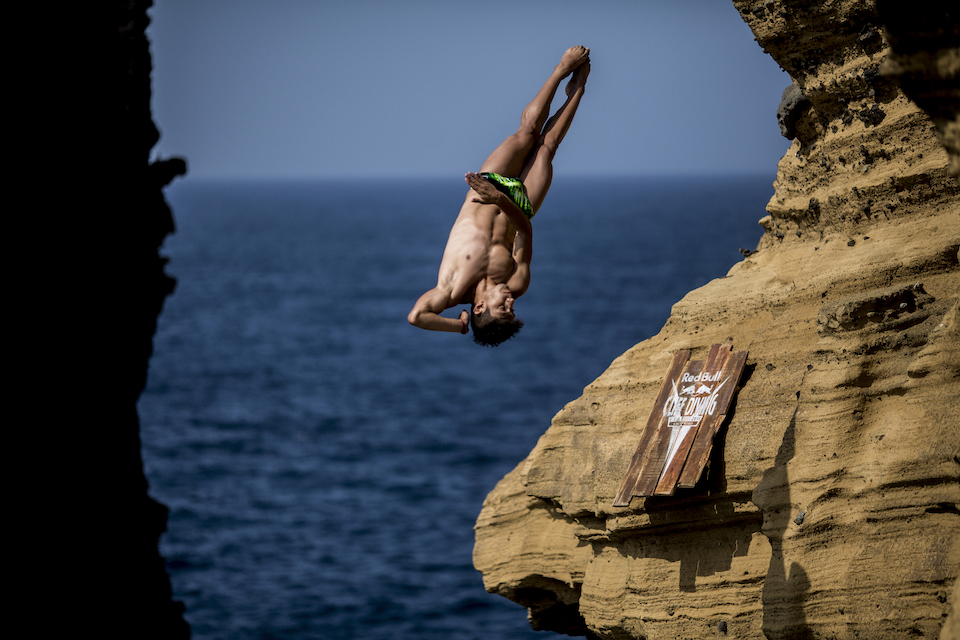 Mido cliff diving