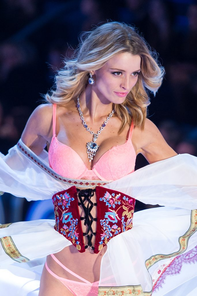 Victoria's Secret Angel with Mouawad jewels.