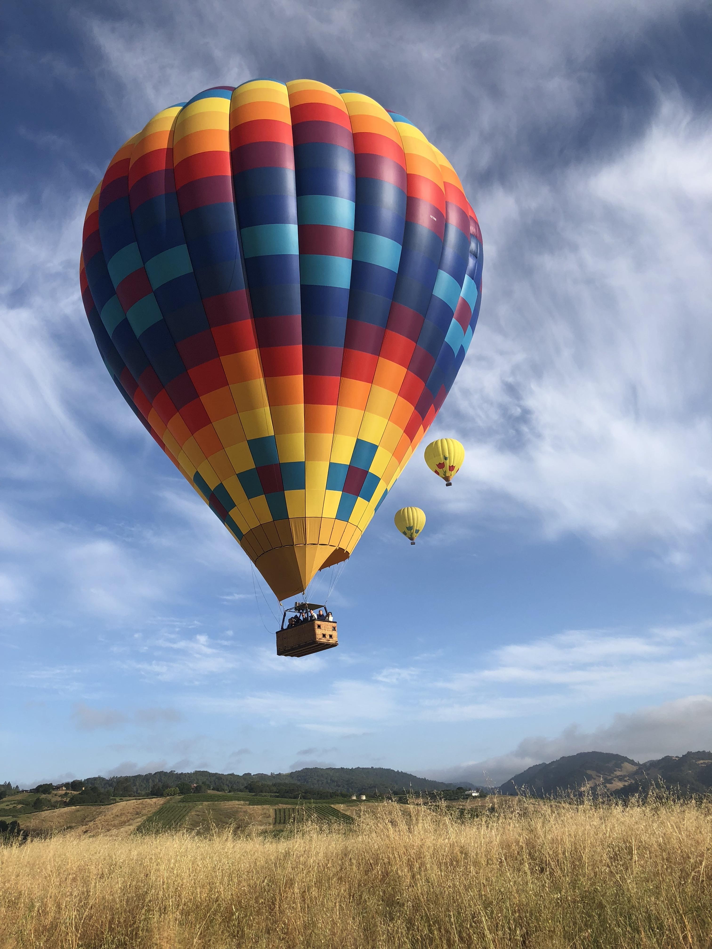 Early Morning hot-air ballooning in NAPA