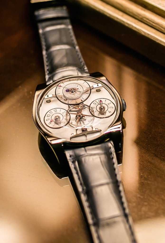 Complication One is offered in 18K gold, in Platinum or in Titanium with black ADLC treatment.