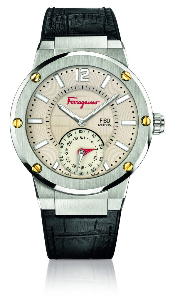 The Ferragamo F-80 Motion smart watch has the ability to synchronize with the MMT 365 app, an application available on IOS and Android devices.