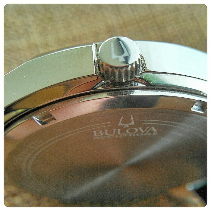case back of the Bulova Accutron II (photo C: Ryan Johnson)