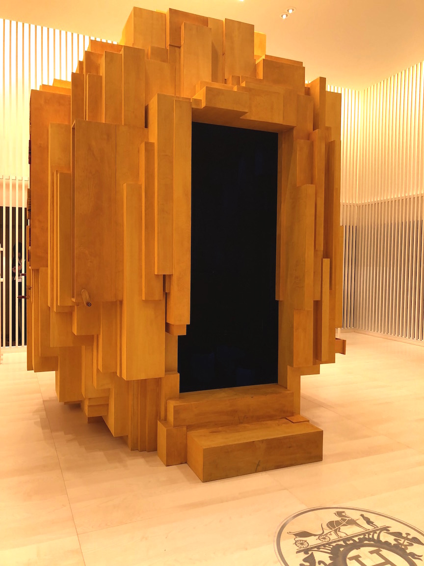 Hermes joins SIHH 2018 this year, and it showcases its heritage and craftsmanship, but first one must enter the wooden marquetry box that stands in the center of the booth space.
