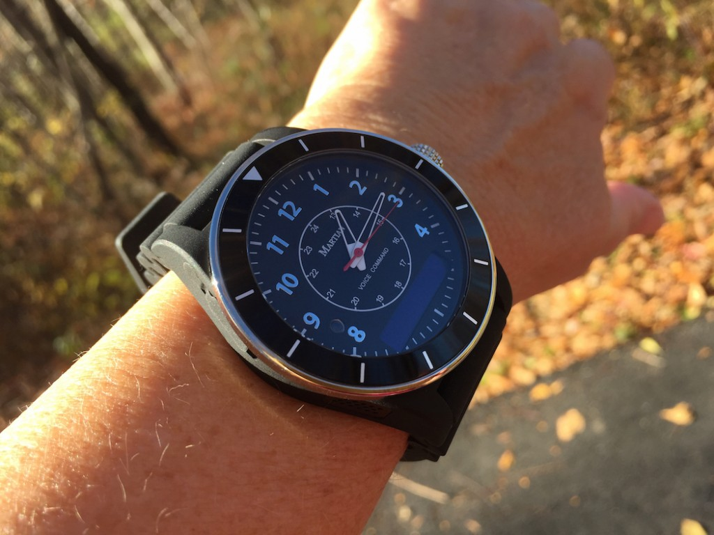 The analog watch is powered by a two-year battery, while the Smartwatch features, when fully charged, lasts for five days (Photo: R.Naas)