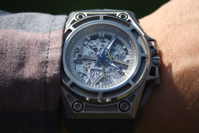 Up Close with Linde Werdelin's SpidoLite Titanium. Remarkably lightweight.