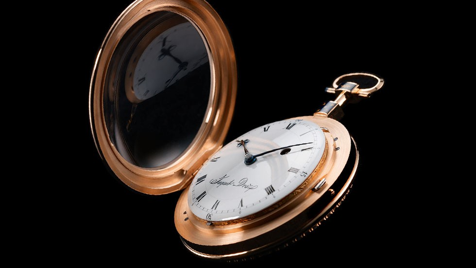 J080033004_THE-POCKET-WATCH_SLIDER1