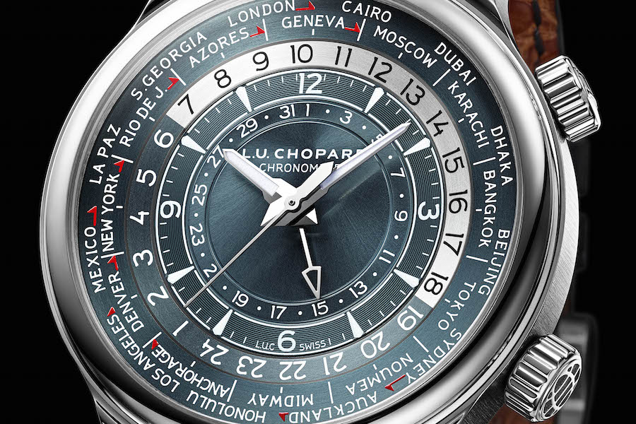 The dial offers a wealth of information including day and night indicator around the world.