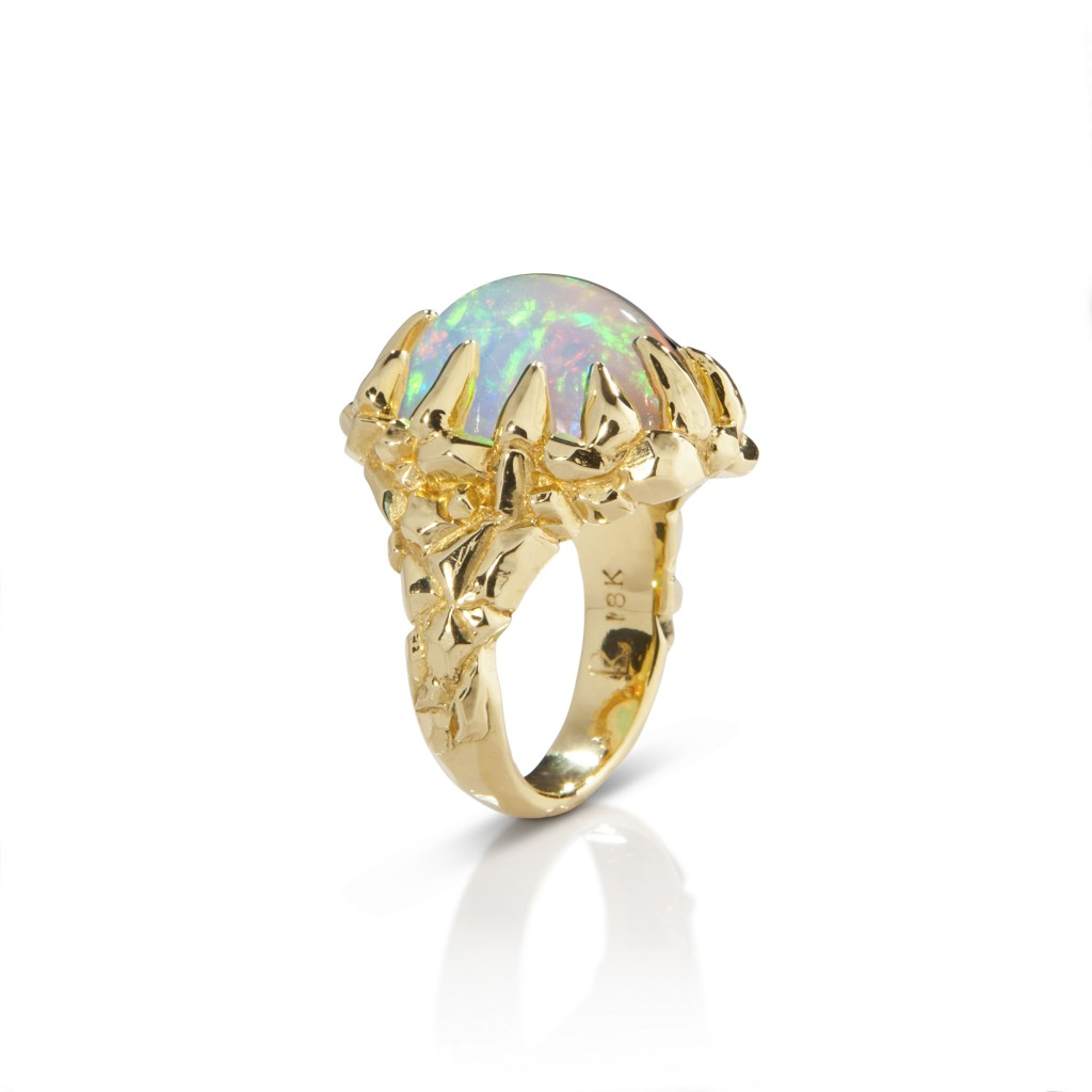 Lisa Kim Aurora Borealis ring in  18-karat gold   with Ethiopian opal