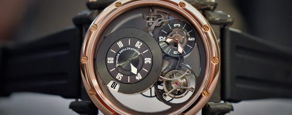 Manufacture Royale ADN in rose gold and forged carbon (Photo: courtesy of our friends at Monochrome-Watches)