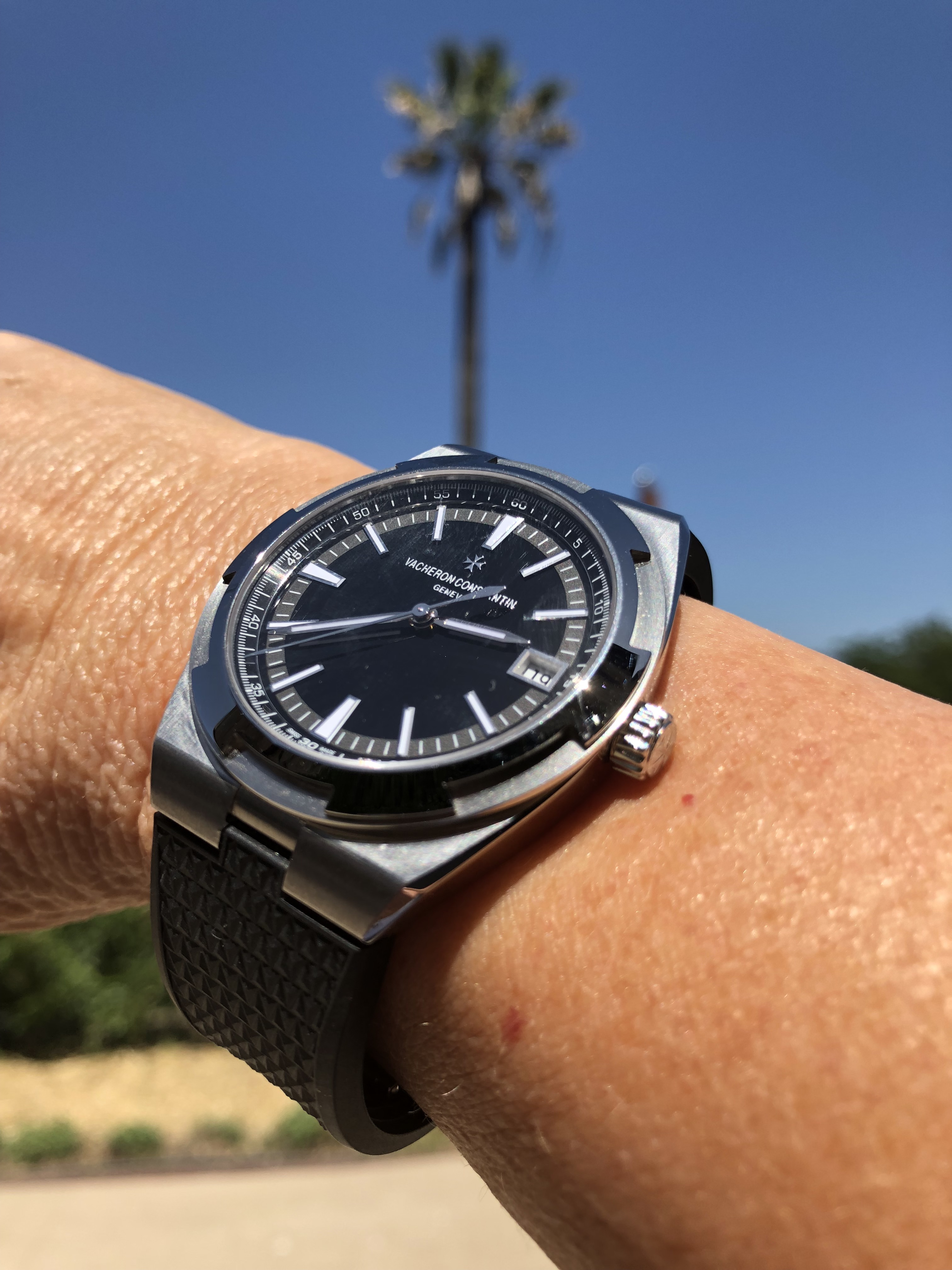 Overseas black dial goes anywhere!