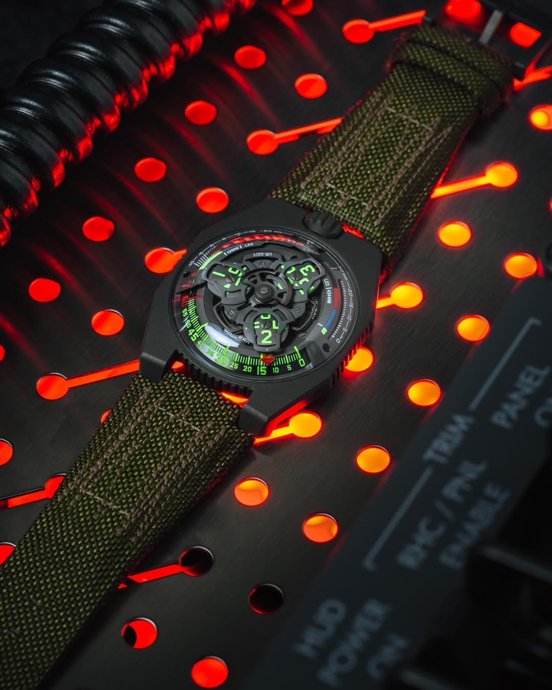 URWERK UR-100V P.02 collector's watch