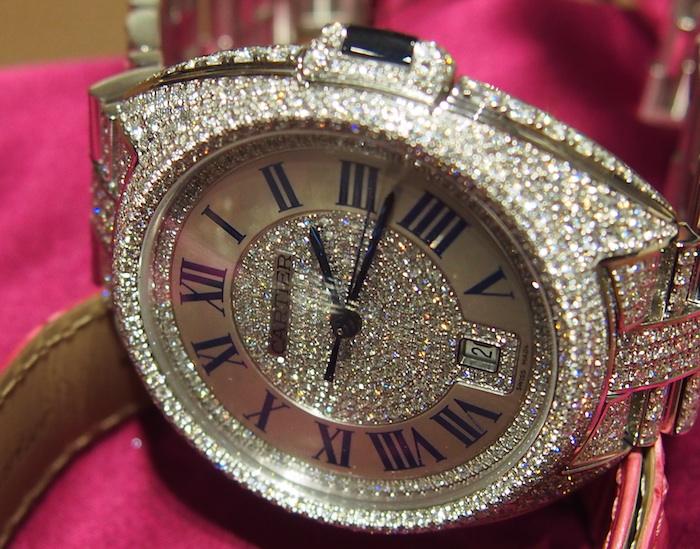 Cle de Cartier diamond model