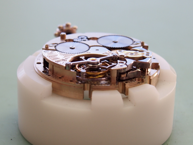 The true beauty of the mechanical watchmaking world lies within. (Photo: R. Naas, ATimelyPerspective)
