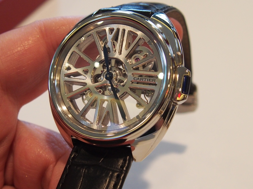 The new 2016 Cle' de Cartier houses an all-new automatic skeletonized movement (photo: R. Naas)