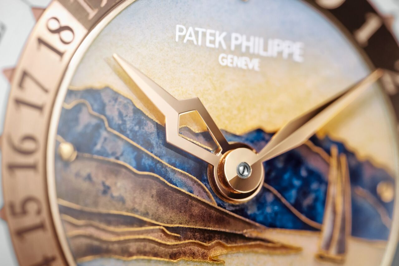 The dial of the Patek Philippe Ref. 5531R World Time Minute Repeater watch unveiled at Baselworld 2018 is entirely hand-painted cloisonné.
