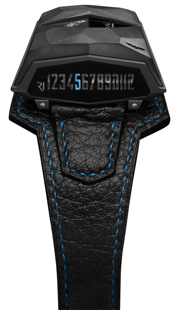 The watch offers linear, lateral time, jumping and retrograde indications.