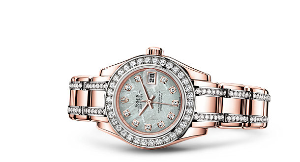 Rolex Pearlmaster 29 in Everose gold with meteorite dial