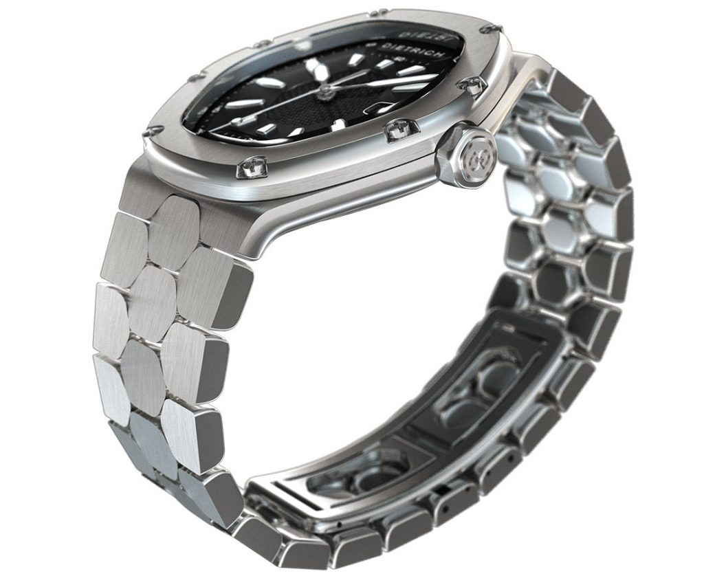 The bracelet of the Dietrich Time Companion is highly unusual and very ergonomic.
