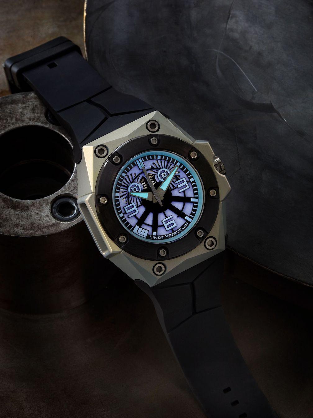 Linde Werdelin x Black Badger Oktopus Blue Sea watch