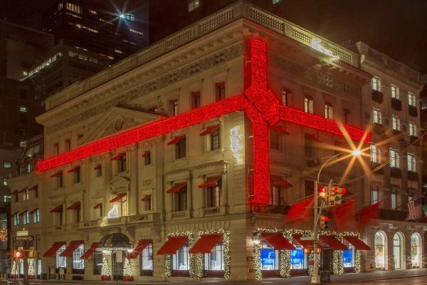 The landmark Cartier Fifth Avenue building last Christmas