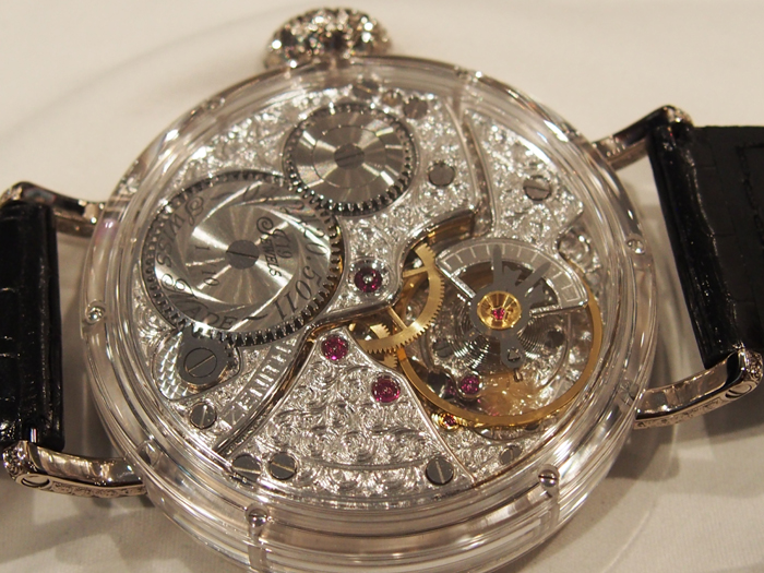 The engraving work for this watch took more than 200 hours