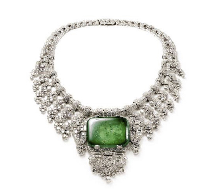 Necklace worn by Countess of Granard. Cartier London, special order, 1932. Platinum, diamonds, emerald. Height at center 8.80 cm. Cartier Collection. Photo: Nick Welsh, Cartier Collection © Cartier