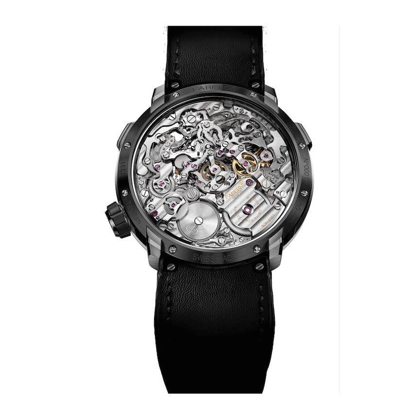 The entire chronograph runs from the center of the watch, with a horizontal clutch system.