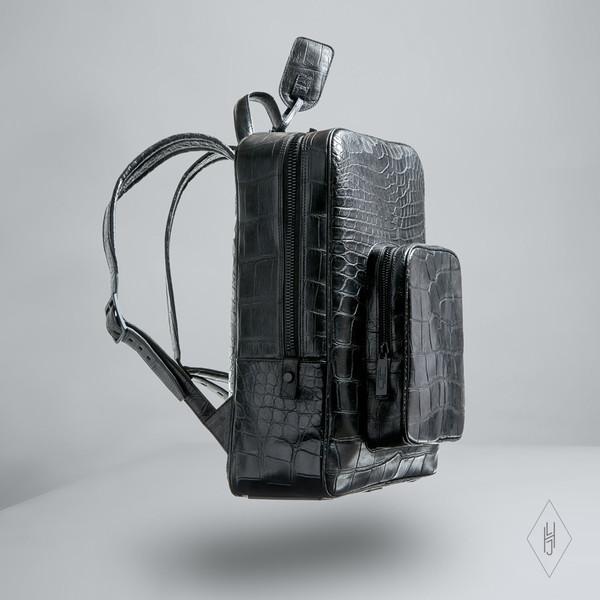 hljames_pack_onyx_front_grande