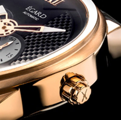 Attention is paid to all details of the watch.