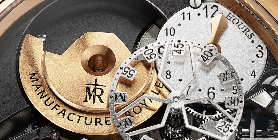 Even the medium sized rotor is placed on the dial side