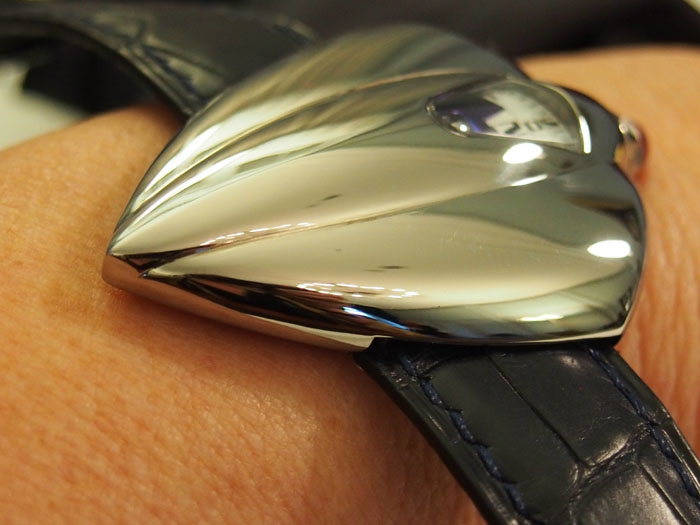 DeBethune Dream Watch 5 is sleek and stunning in its styling and mechanics.