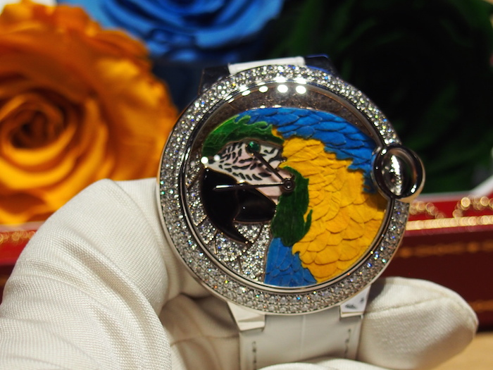 2014 SIHH: Cartier unveils its artistic dial made with rose petals