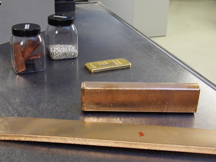 materials used to create colors of gold for Chopard cases.